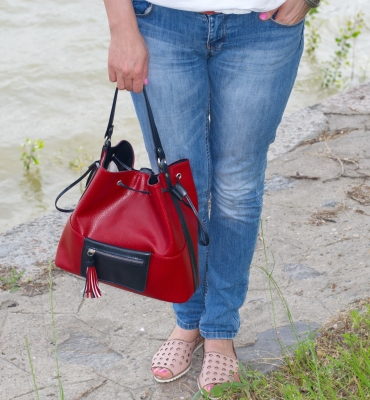 Rucsac Tommy - red, blue detalii